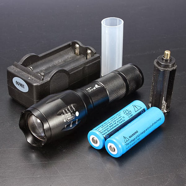 2000 Lumens CREE XM-L T6 LED ZOOMABLE Flashlight Torch Light Lamp 18650+ Charger