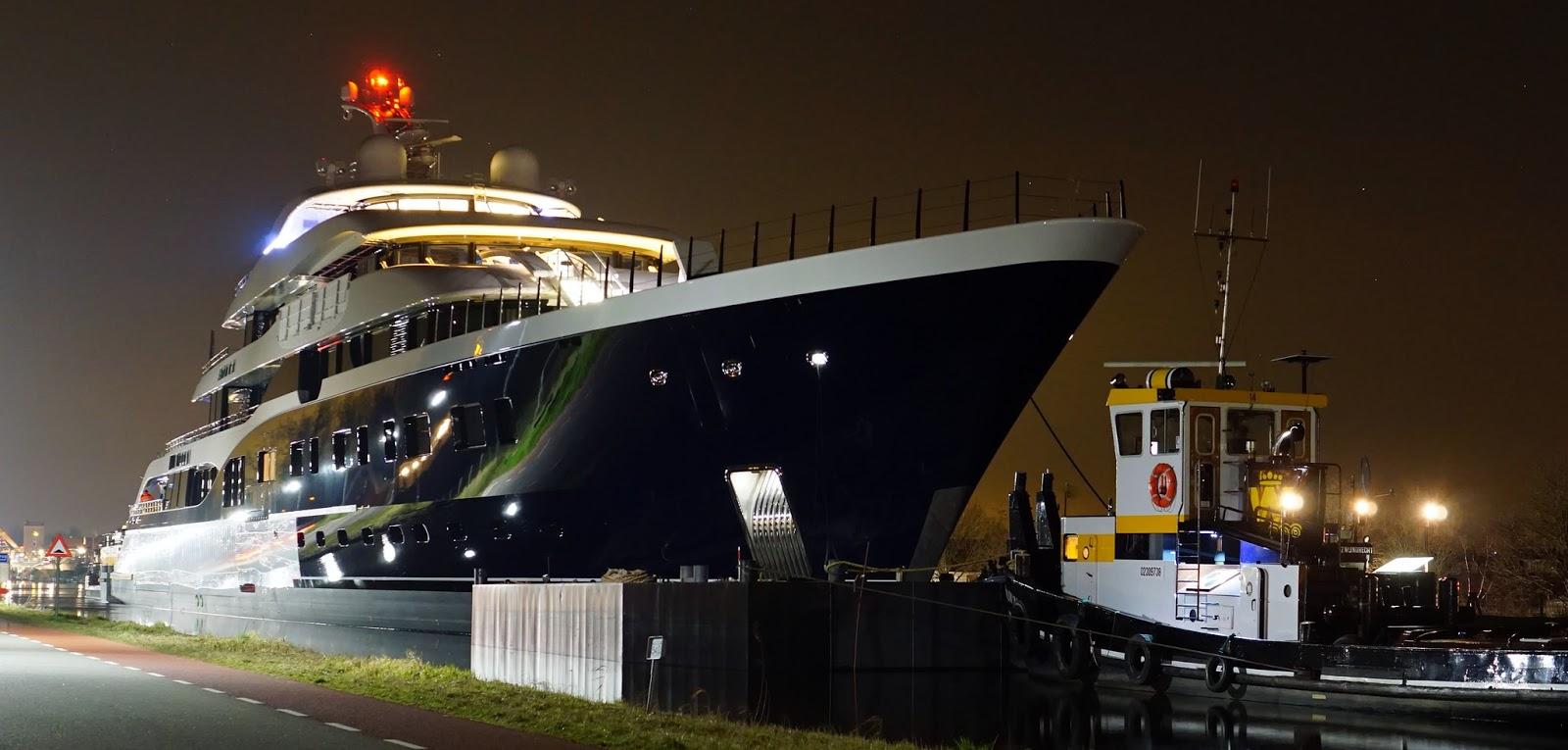 Symphony superyacht night
