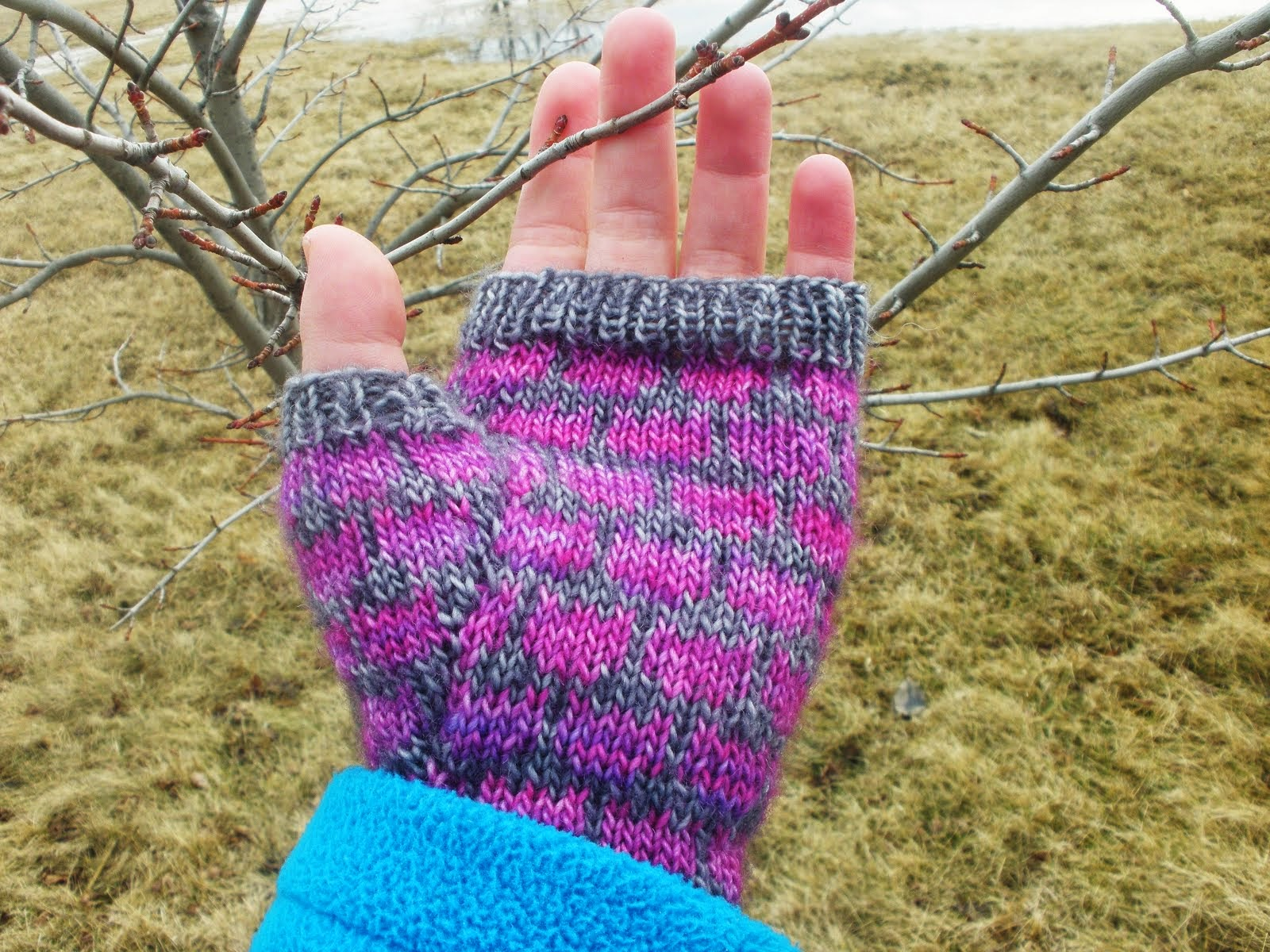 Tulip Mitts - 4.00 USD