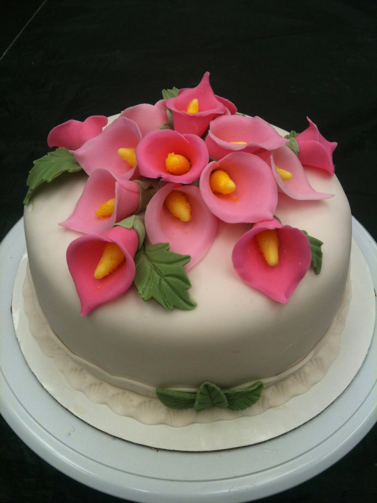 Cake Designs With Fondant : Cake Decorating by Sonia: January 2011 - Gum Paste ...