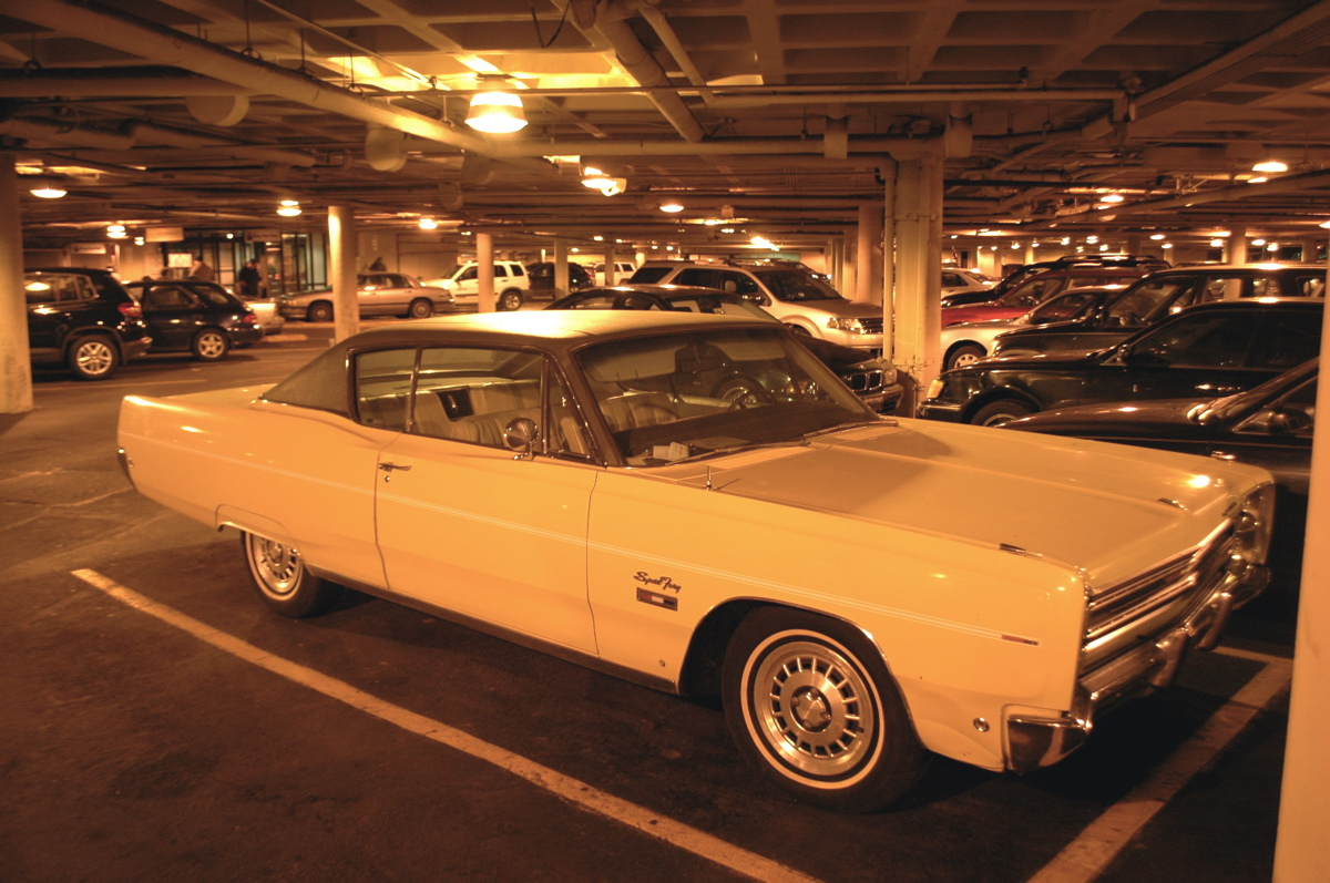 OLD PARKED CARS.: 1968 Plymouth Sport Fury \