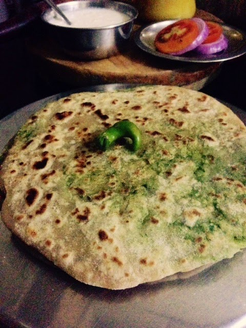 aloo palak potato spinach paratha 2