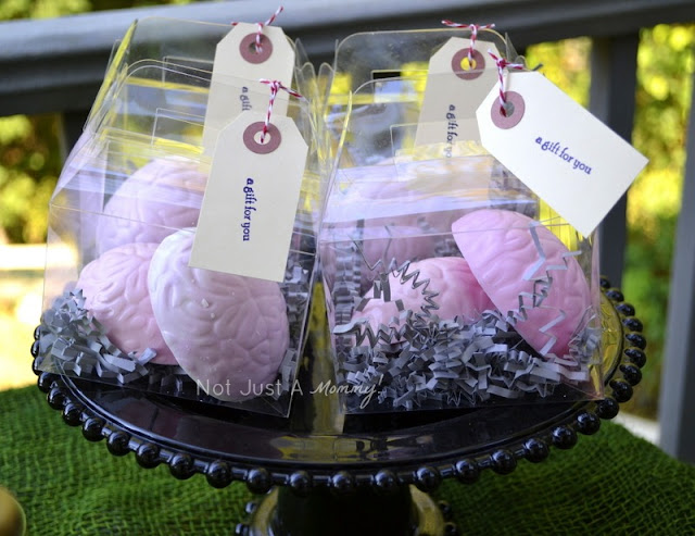 zombie party treat table brain favors