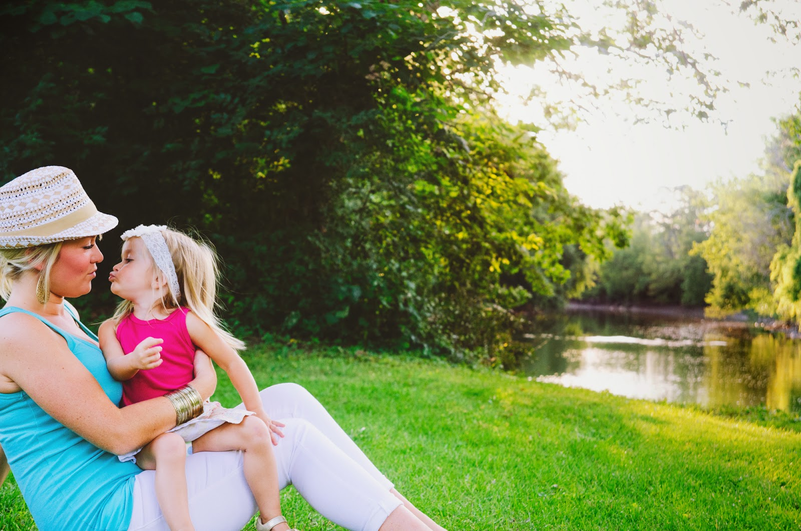 indianapolis family photographer captures mom and baby