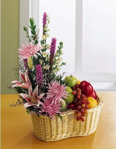 Flowers & Fruit basket delivery in Mexico