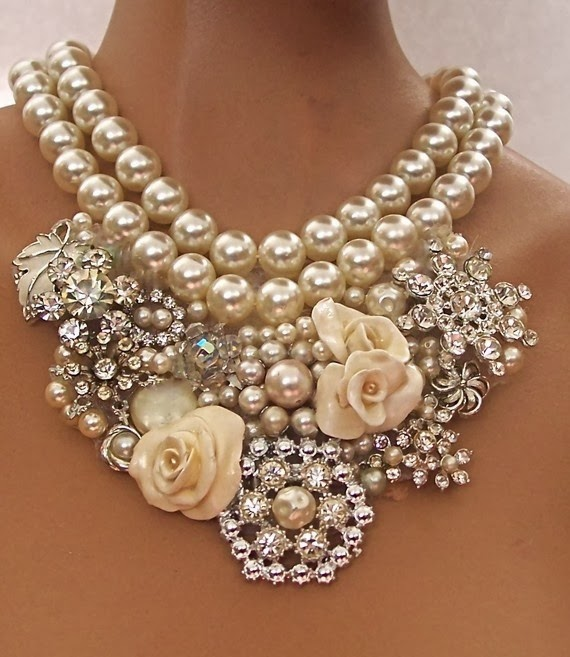 Beautiful Pearls With Diamonds Necklace