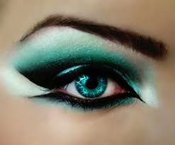 Shiny Green Eye Makeup