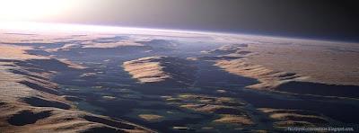 Une couverture facebook le plus grand canyon du système solaire