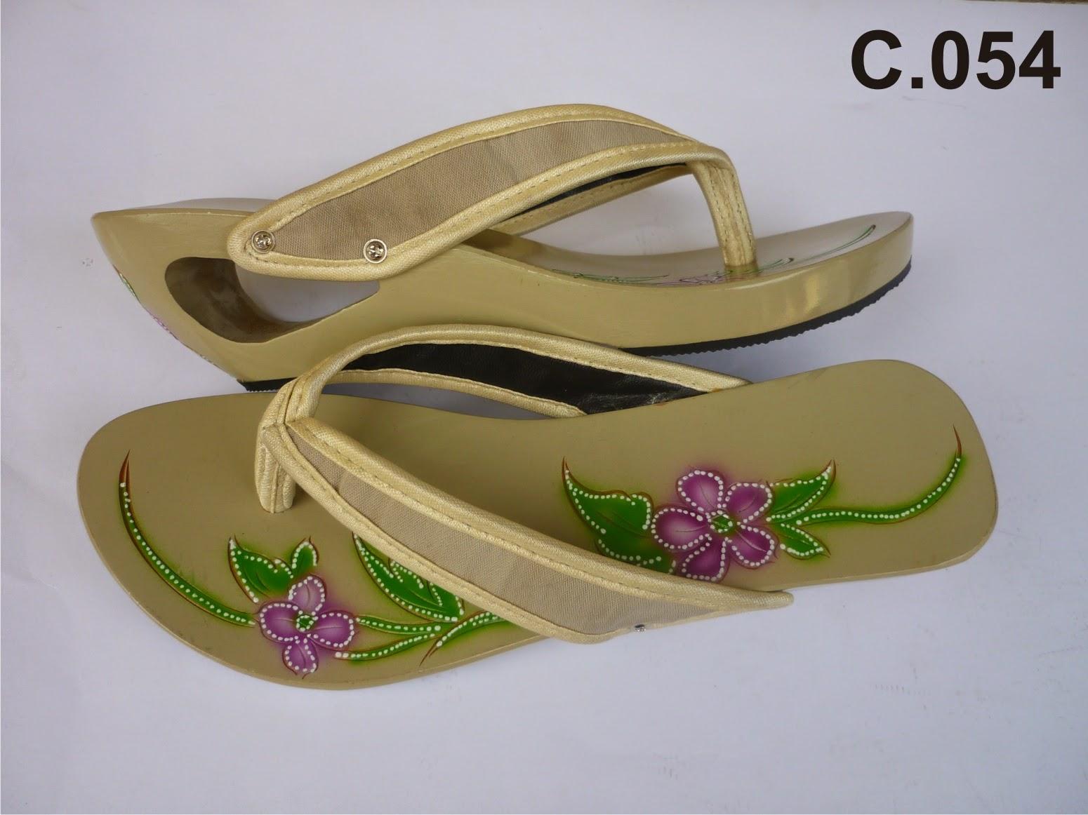 Sepatu Sandal Wanita Kelom Geulis Tasikmalaya