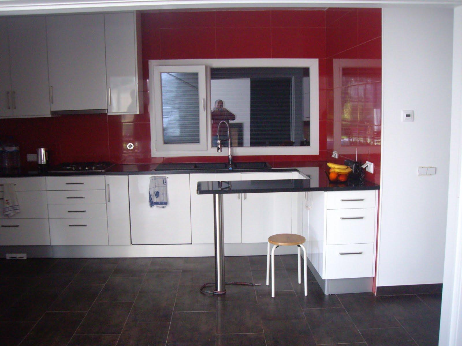 #69272F da cozinha em pedra zimbábwe janela com oscilo batente chão em  668 Janelas Pvc Oscilo Batentes