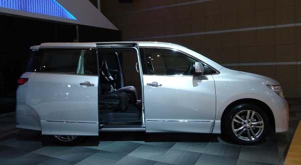 Harga & Tampilan MPV Nissan New Elgrand 2,5 Liter