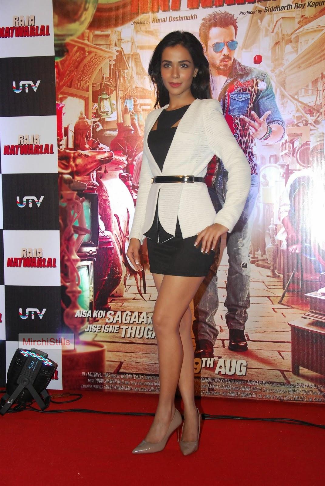 Humaima Malik Sexy Pics Simple mirchi stills: pakistani actress humaima malick showcasing her