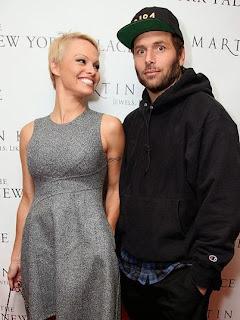Pamela Anderson divorce pour la troisième fois