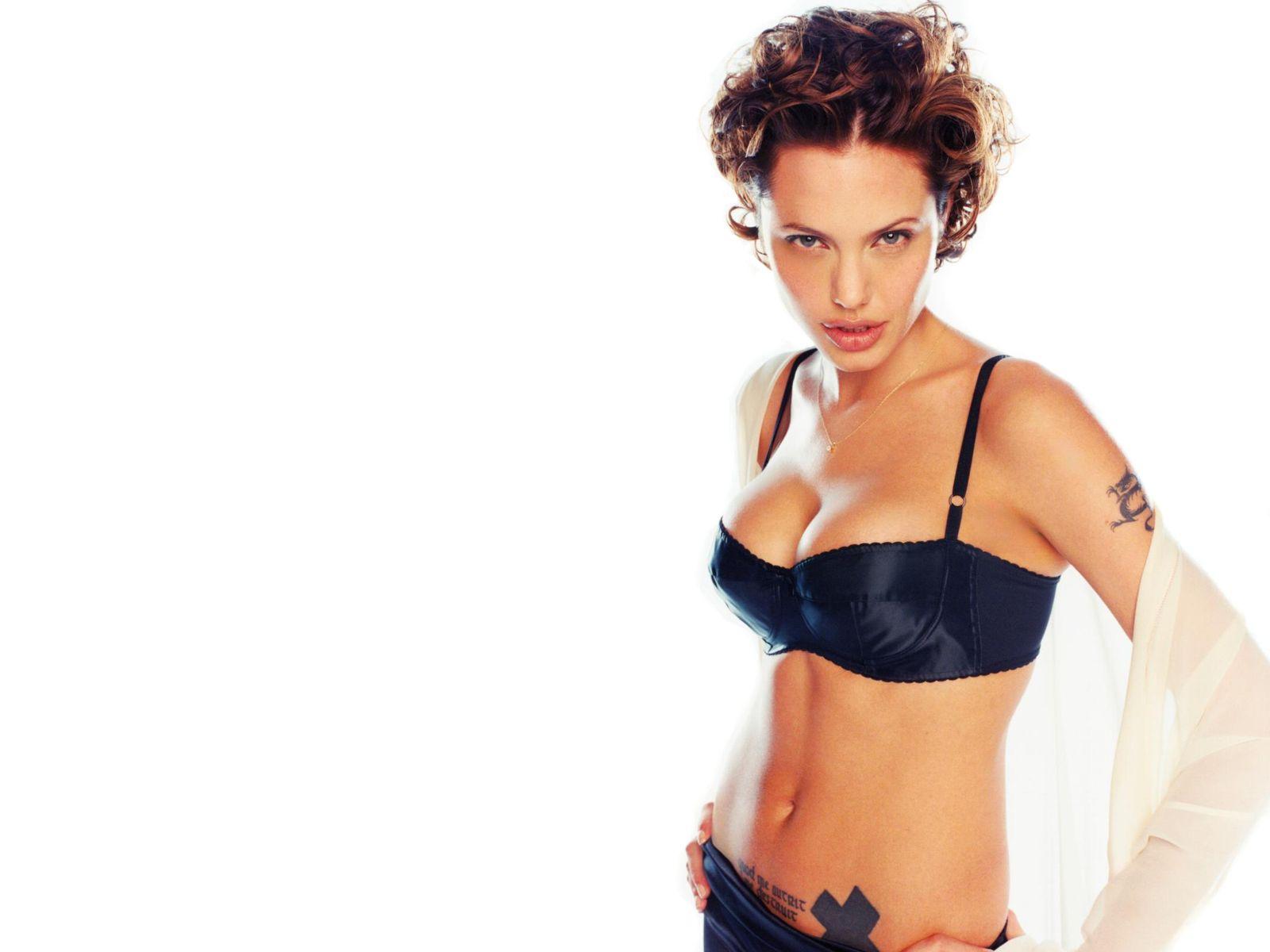 http://1.bp.blogspot.com/-Ja0BoVyf0uk/TZObMBERZfI/AAAAAAAAAko/e8-Rb0raJKk/s1600/Angelina-Jolie+0+%252845%2529.jpg