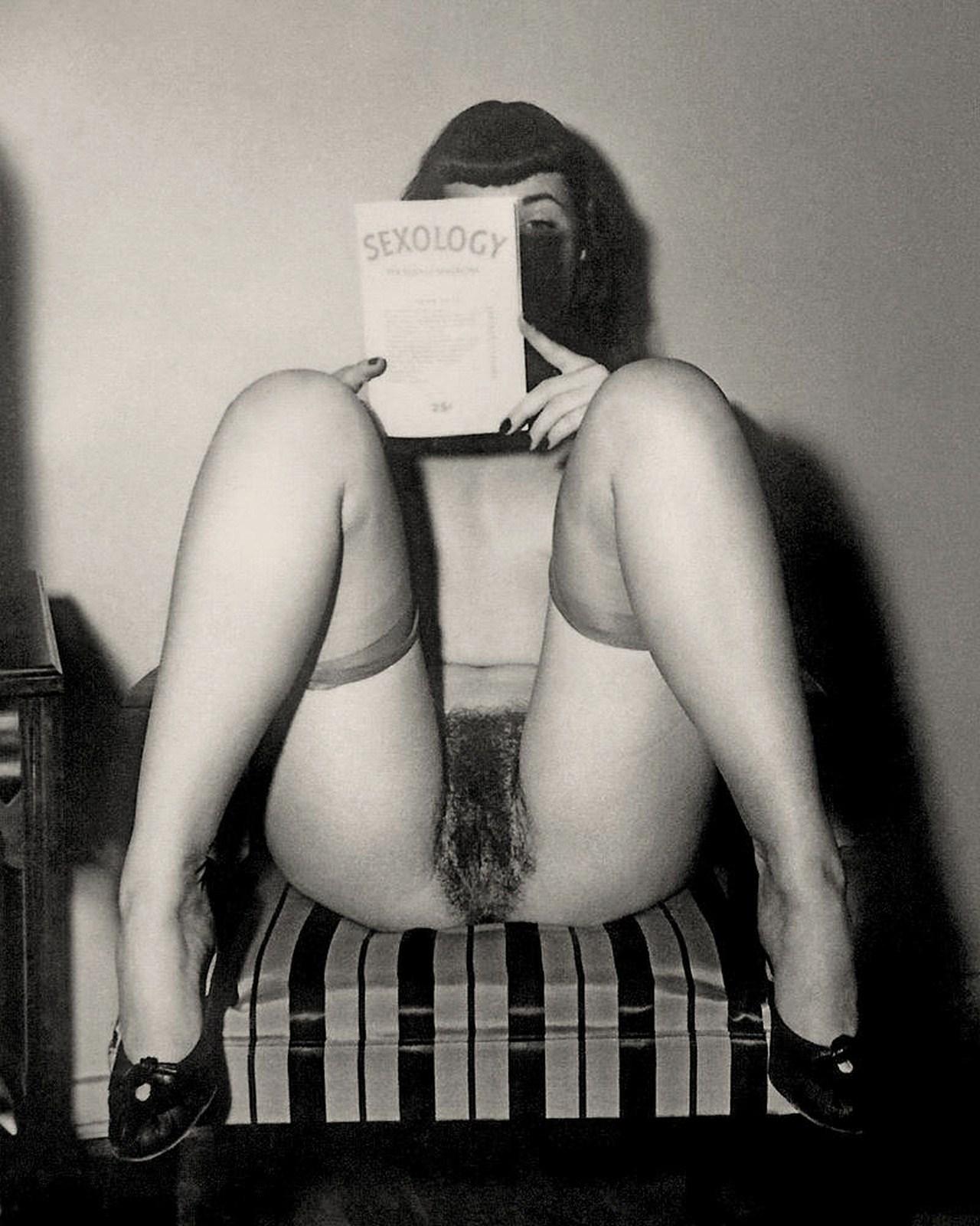 Смотреть онлайн порно ретро алиса в зазеркалье ххх 14 фотография