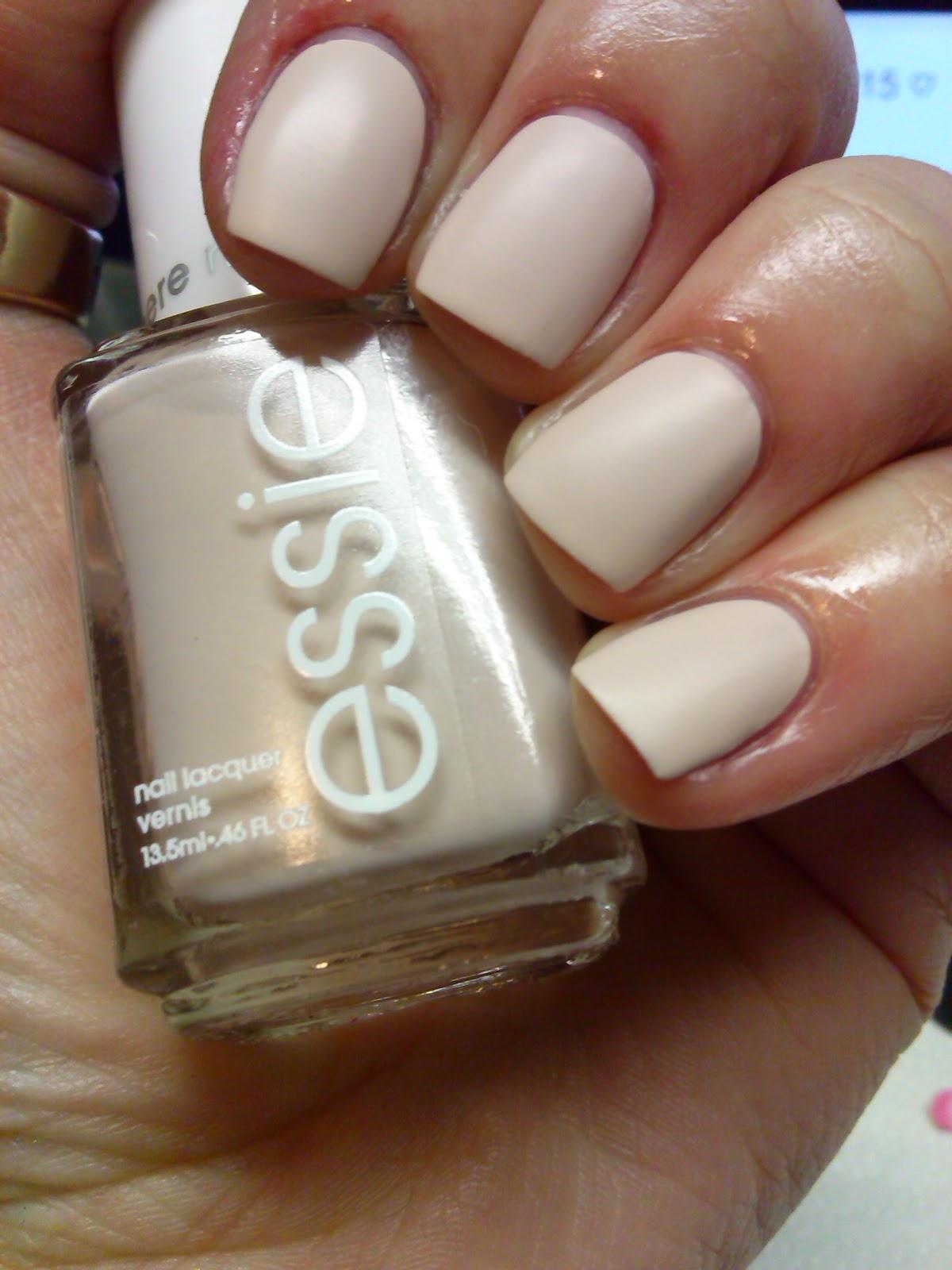 Off White Nail Polish Essie - Absolute cycle