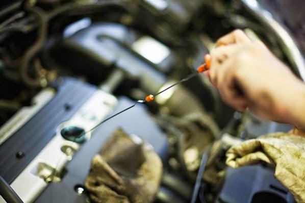 Checa el aceite de tu carro correctamente