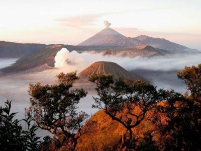 Gambar Pemandangan Alam Indonesia Bromo-Semeru