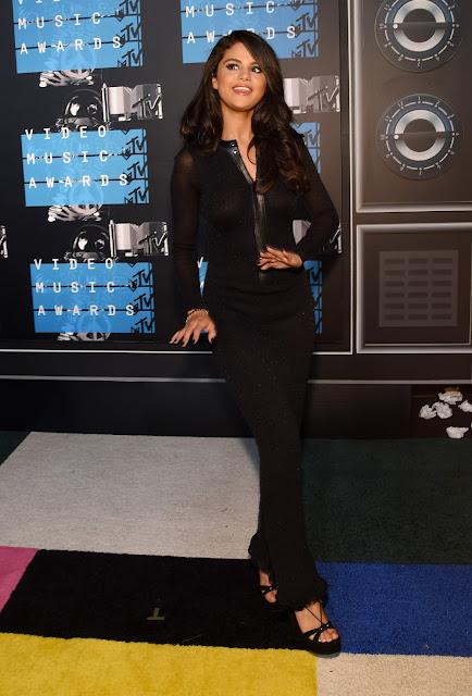 Actress, Singer @ Selena Gomez - 2015 MTV Video Music Awards in Los Angeles