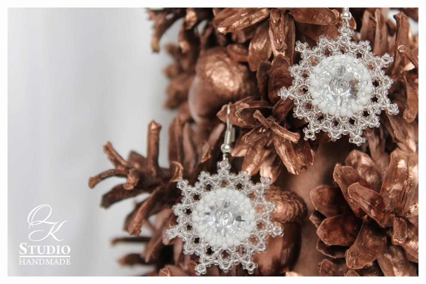 серьги из бисера снежинки