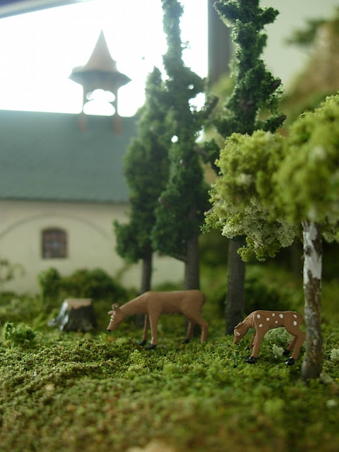 Woodland Scenics Deer Figures