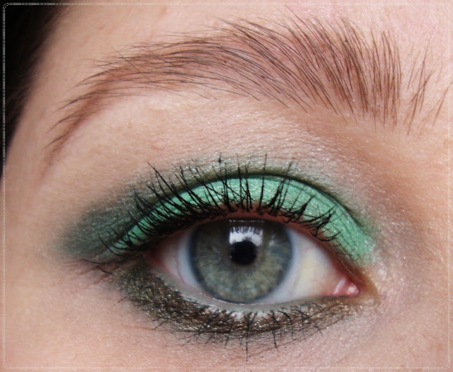 zeleni look za spustene kapke
