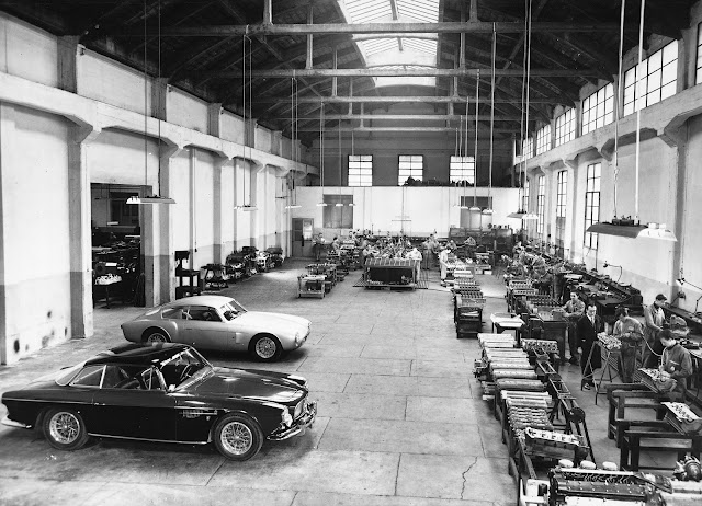 The Maserati factory - engine assembly line (1956)