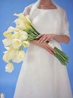 Novia con flores ramo presentación