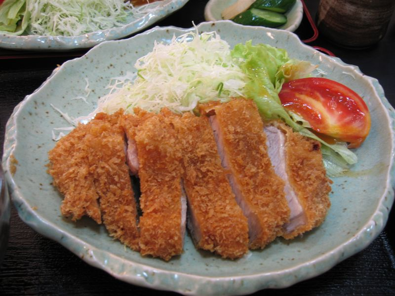 FOOD READY: Japanese Deep Fried Pork Cutlet