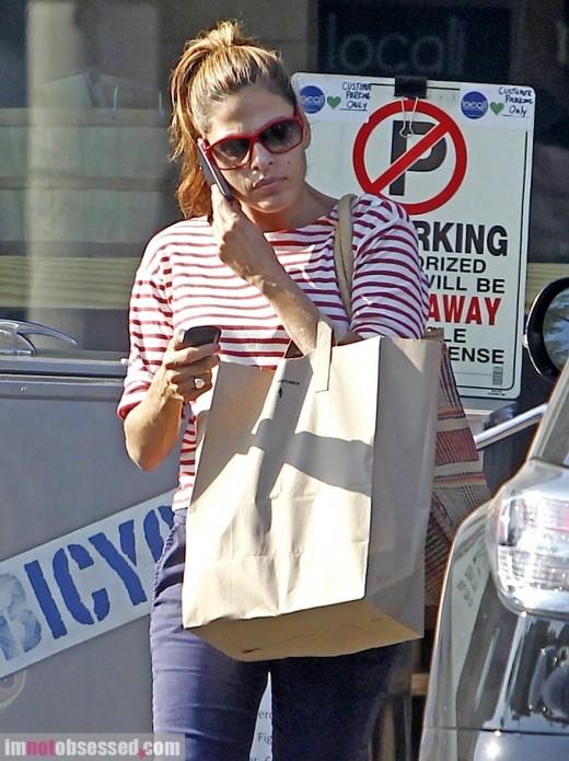 Eva Mendes Runs A Few Errands » Gossip | Eva Mendes