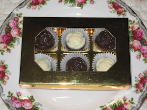 Door Gift- 6 pcs chocs + cavity box