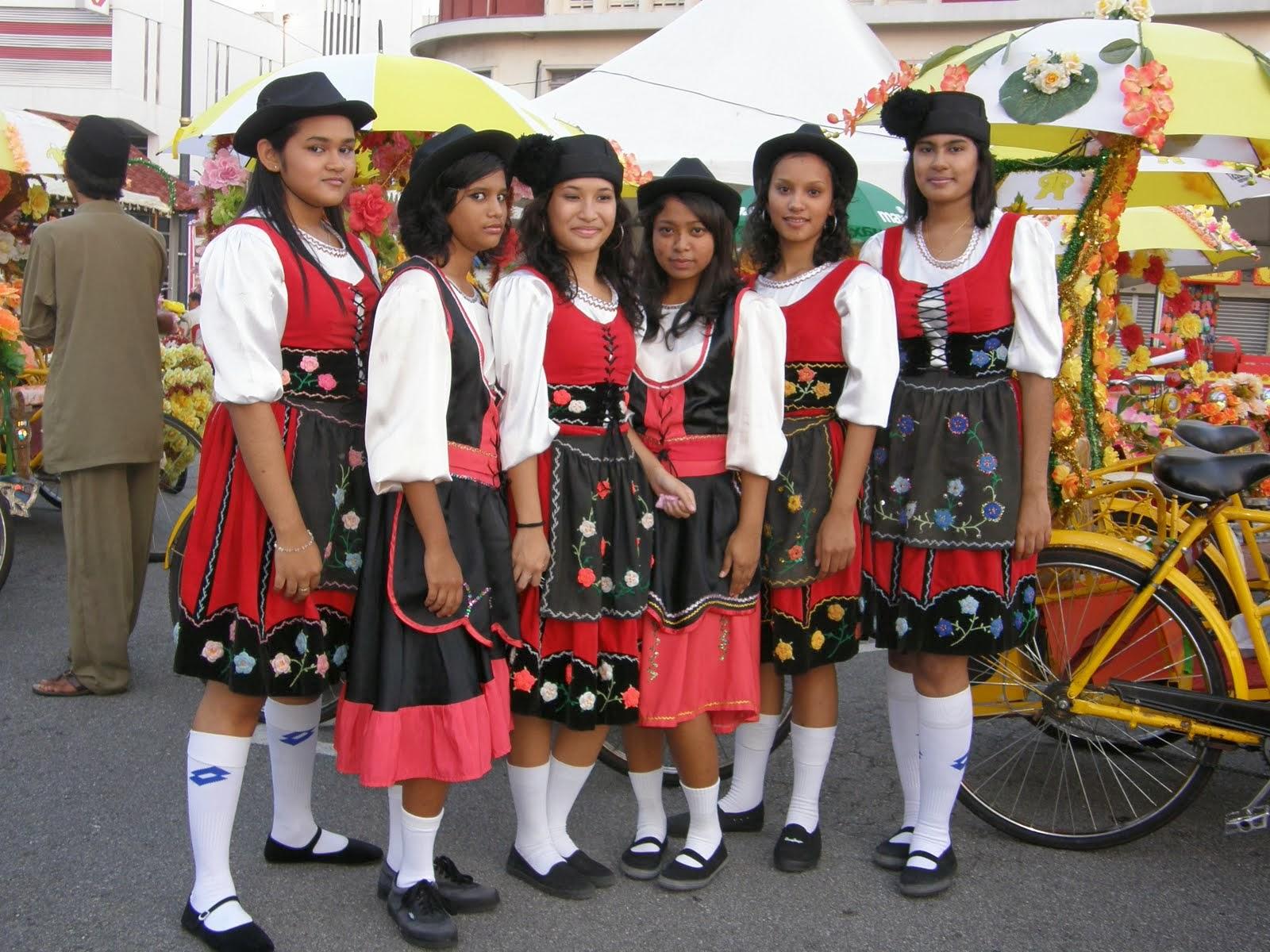 Blogue do FireHead  O povo Kristang 35d54f23156