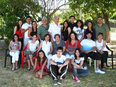 NOSOTROS QUE NOS QUEREMOS TANTO. God bless my family.