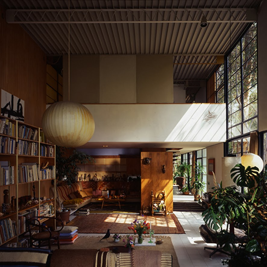study case house eames The eames house is widely considered as one of the great buildings of the 20th century also known as the case study house 8, this beautiful piece of architecture was constructed in 1949 using only prefabrication and off-the-shelf materials.