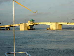 Jones Pass Bridge, St. Pete, as we head into the Gulf of Mexico--200+ miles w/a bit of breeze