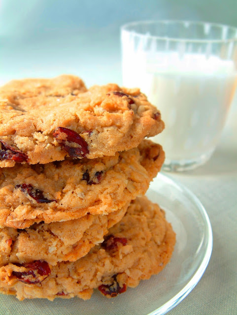 Chunky Oatmeal Cookies #recipe (sponsored) #MC