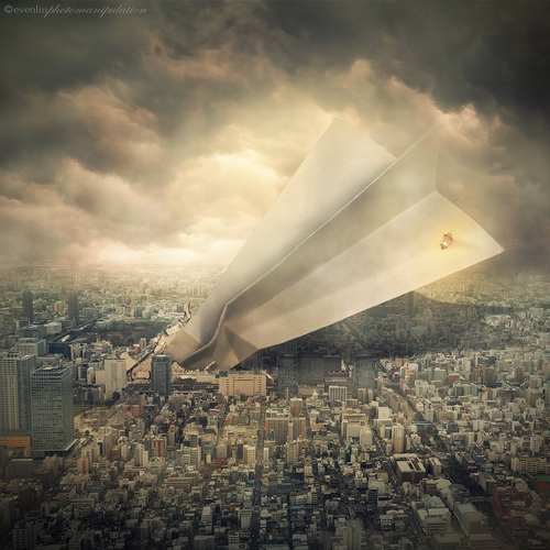 11-Air-Crash-Even-Liu-Surreal-Photo-Manipulations-and-the-Lantern-www-designstack-co