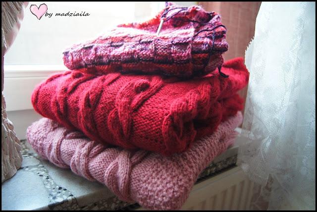 Wełniane sweterki.