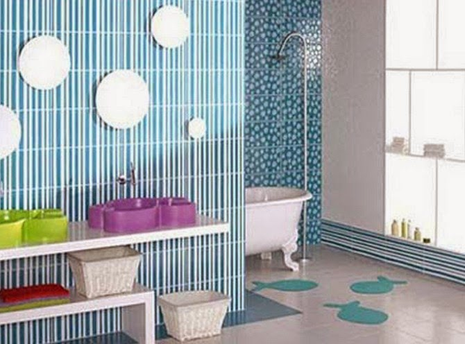 kamar mandi minimalis warna warni
