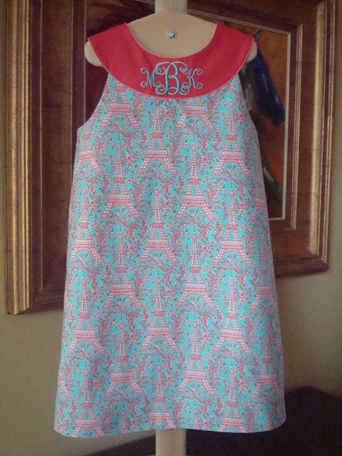 Eiffel Tower Quilt Pattern http://maryjoscloth-design.blogspot.com/2011/03/quilting-dresses-bit-of-dr-suess.html