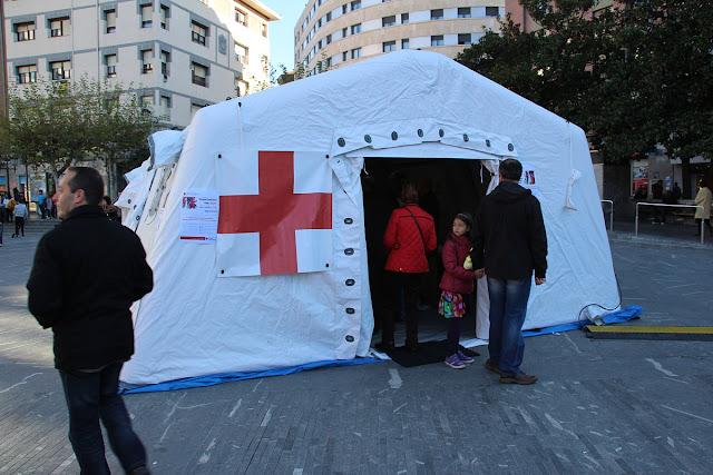 Carpa de Cruz roja en el Rastrillo Infantil Solidario 2015