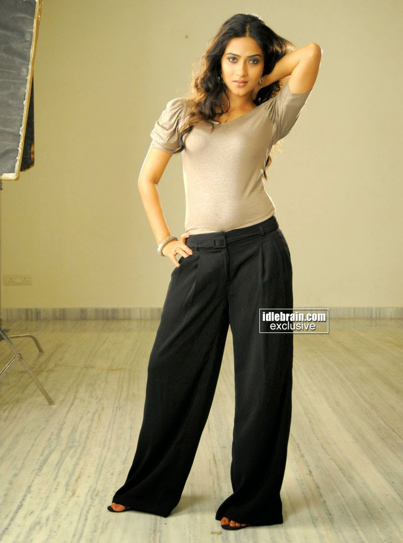 aditi sharma black pants