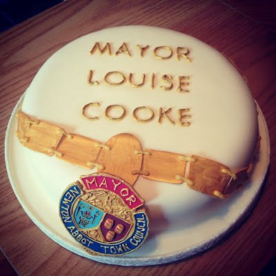 Fruit Cake, Mayoral Ceremony, Mayoral Chains made from fondant
