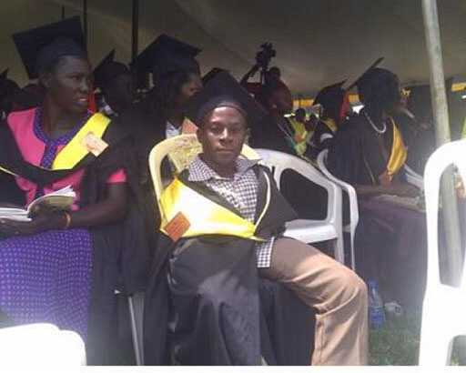 OMG! 25-year-old Boy Without Arms Becomes Law Graduate (Photos)
