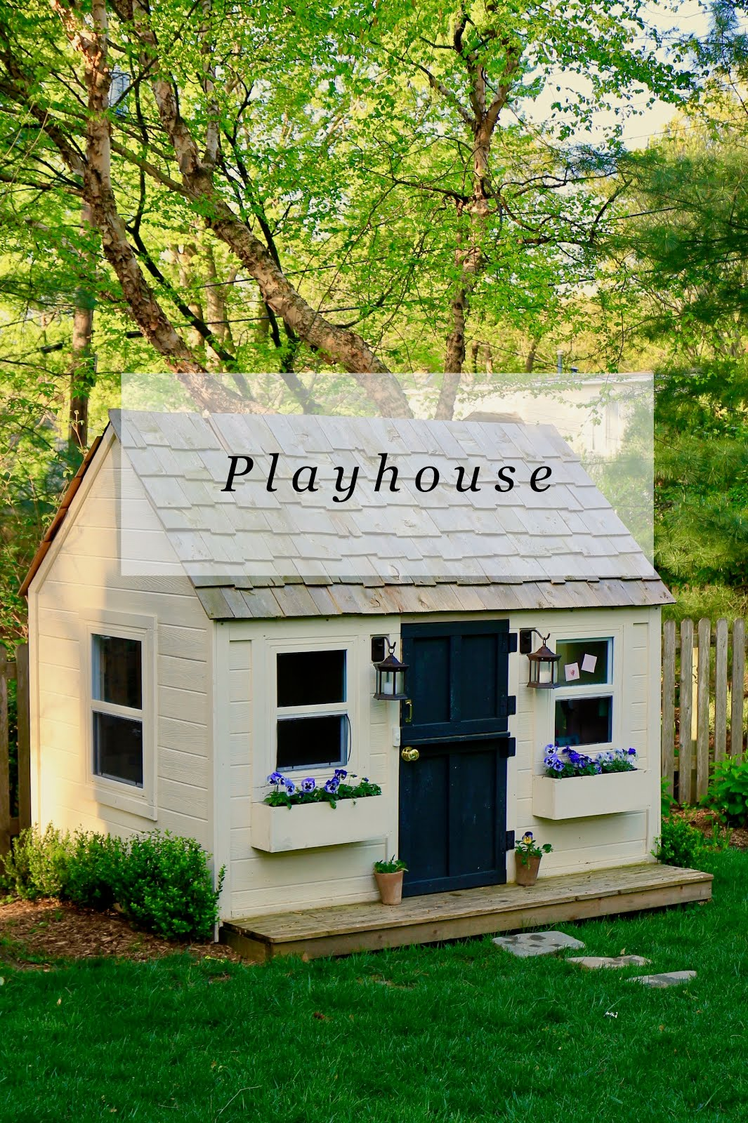 DIY : We Built a Playhouse!