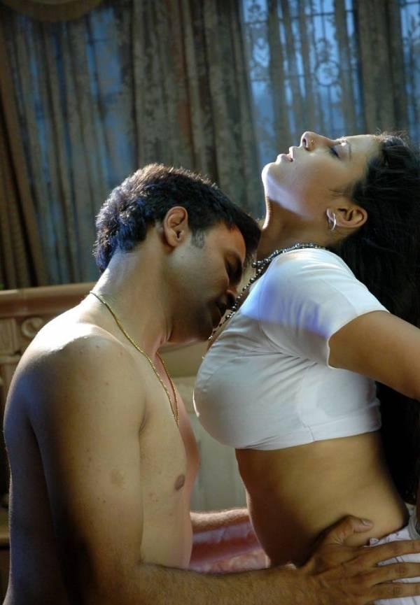 hot scenes Sunakshi