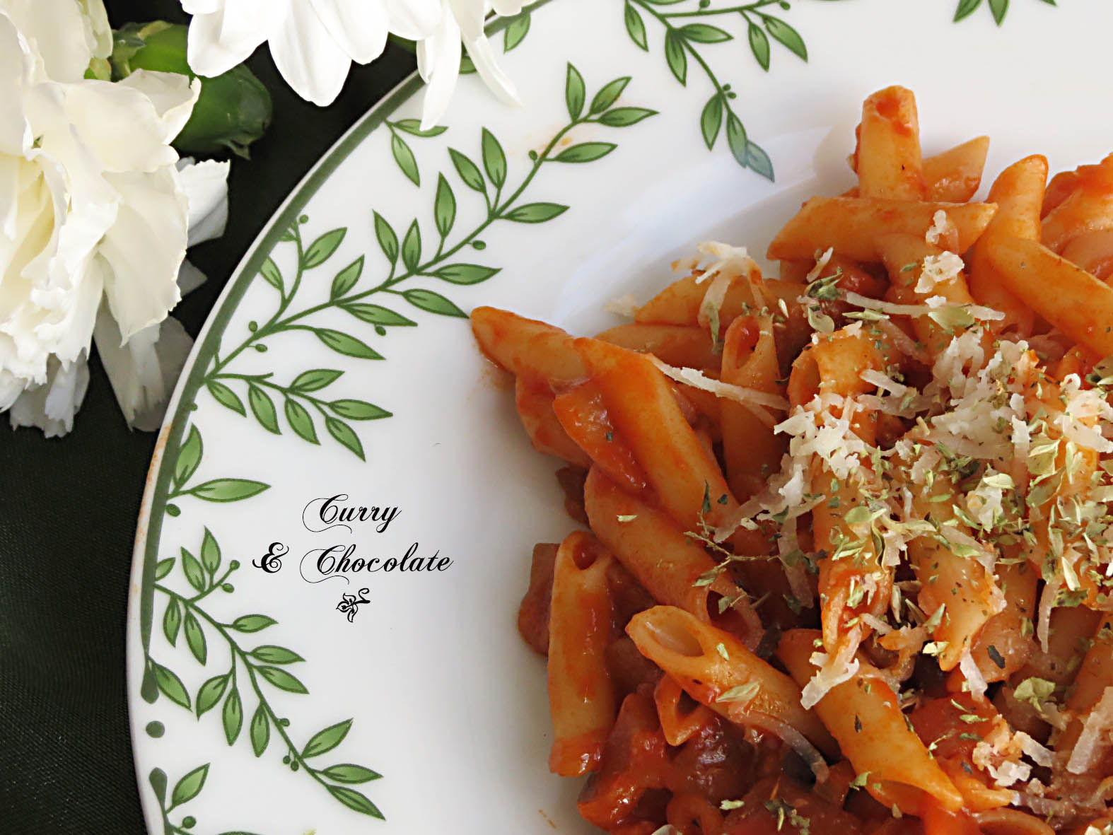 Macarrones con berenjena y tomate  - Pasta with tomato and eggplant