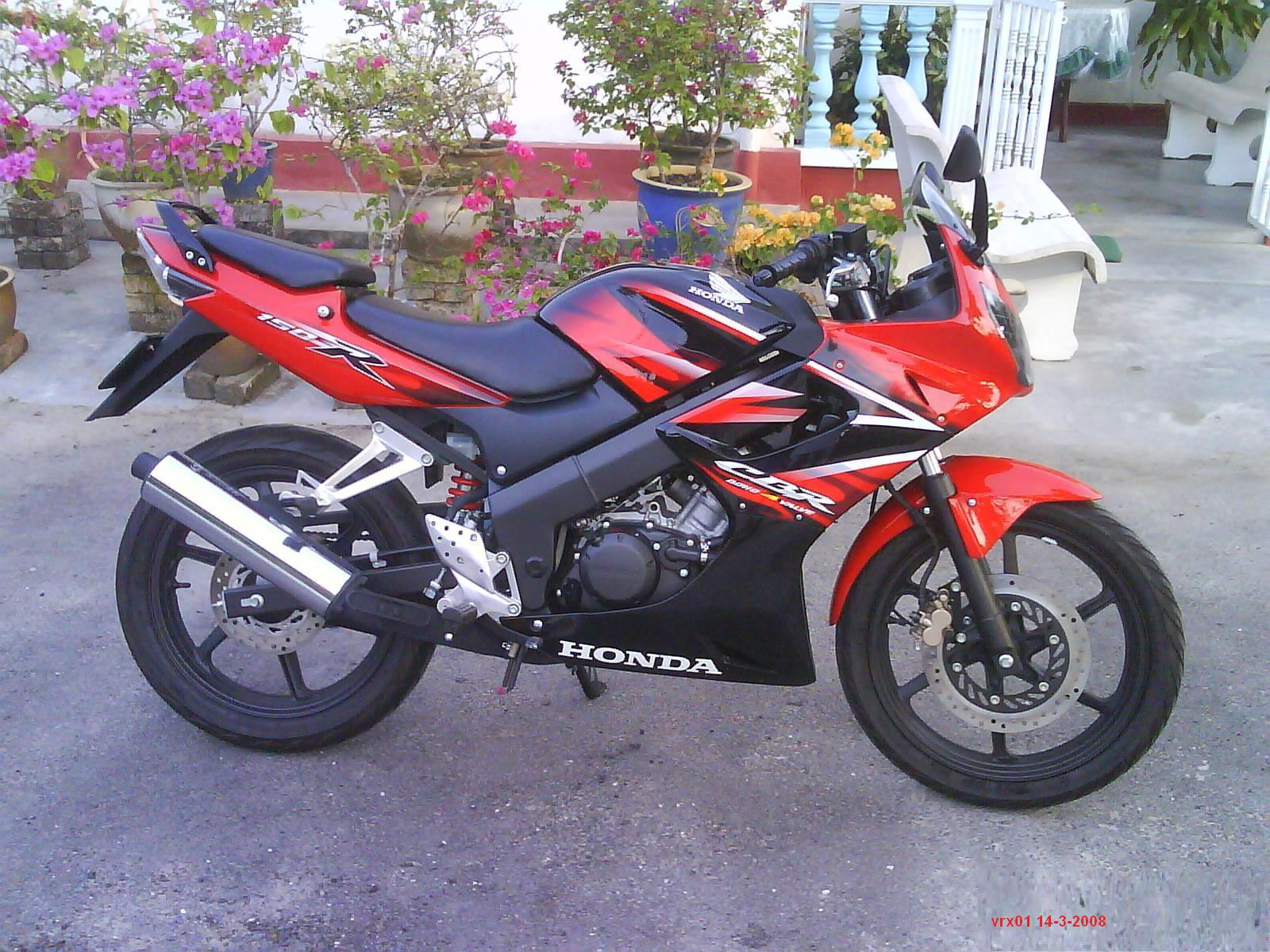 Harga Jual Honda Cbr 150 Lama Verza Pakai Full Fairing All New 150r Slick Black White Jakarta Tuan Otomotif Hadirnya Cb Baru