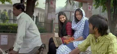 Raanjhanaa Movie pictures