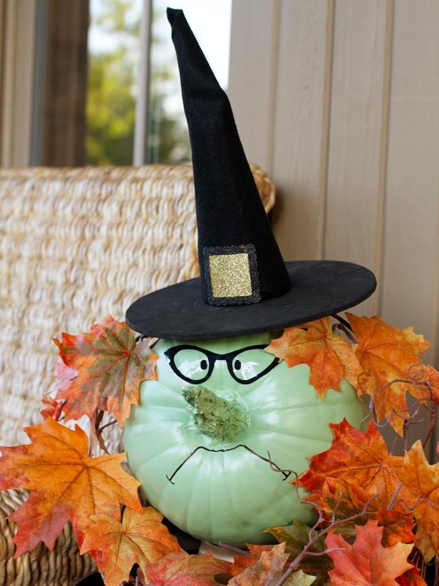 Cmo hacer una bruja en una calabaza para Halloween lodijoella